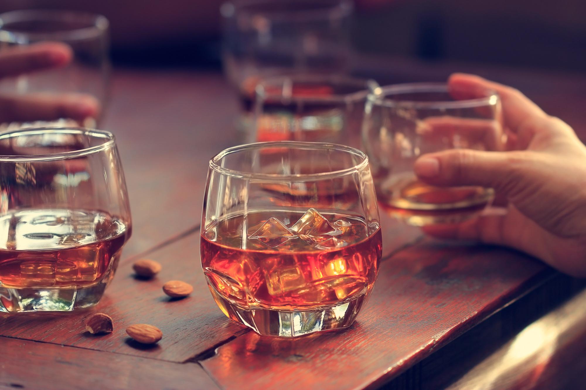 アーモンドはお酒との相性が抜群!効果や注意点、おすすめまとめ