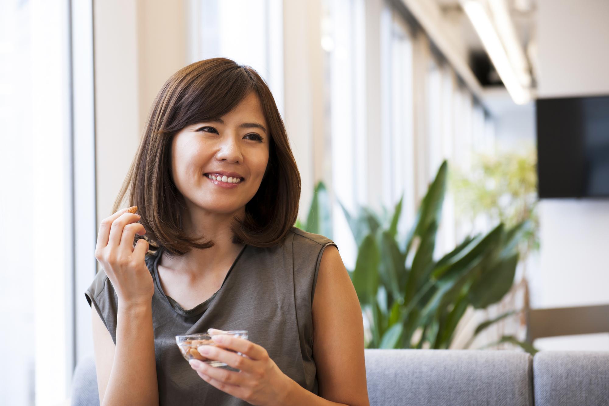 アーモンドは食物繊維が豊富!摂取時の注意点と効果を解説